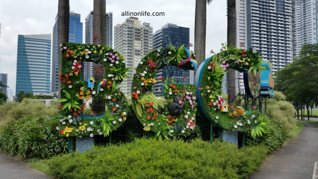 A cute sign of Bonifacio Global City with animals on it.